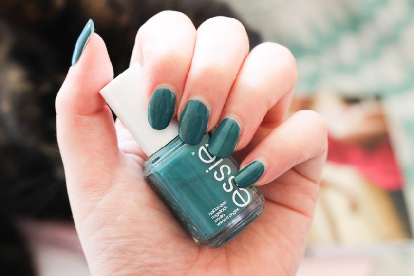 Essie Lente Collectie 2018 - Bon Boy-age, Anchor Down en Stripes & Sails
