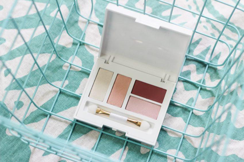 Douglas Spring Look - Kabuki Brush, Oogschaduw Palette, Blush Pearls & Flower Lipstick
