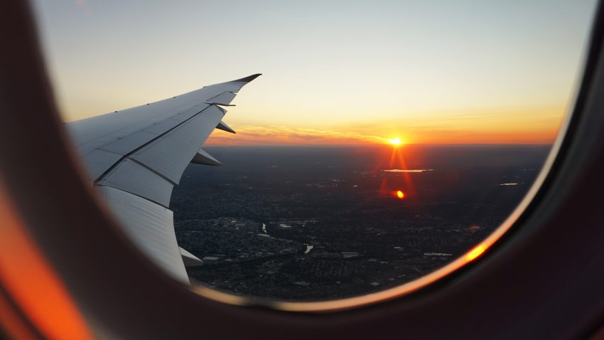 9 Dingen om te doen in het vliegtuig