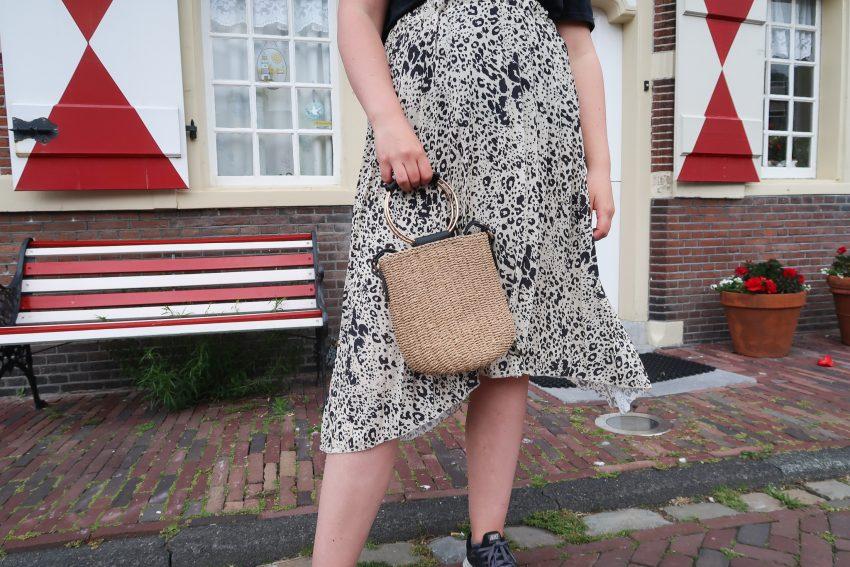 Outfit | Dierenprint en blote benen